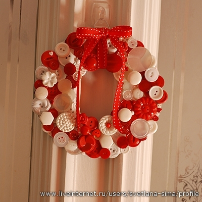 4372487_wreath_light.jpg