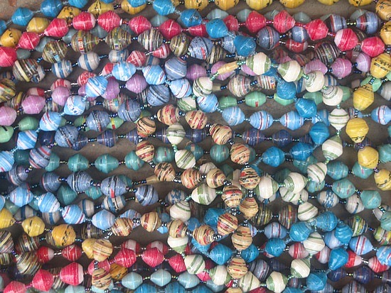 1.1246889574.paper-beads-made-by-molly.jpg
